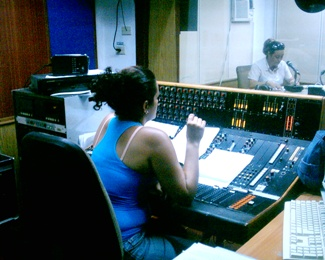 20110810171259-foto-radio-y-las-instituciones.jpg