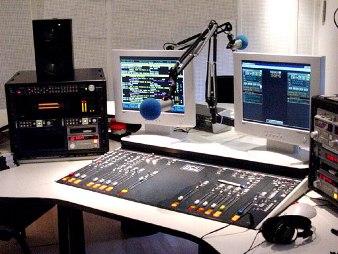 20111022180009-estudio-radio.jpg