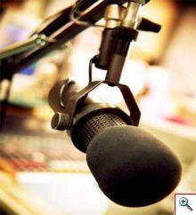 20130102173719-microfono-radio-220x242-00903cd25ed316d0cc79f9e53df7fde4.jpg
