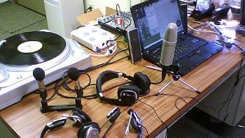 20131227005842-radio-2.jpg